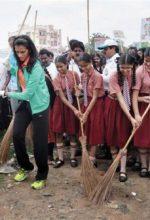 स्वच्छता अभियान पर कविता कोट्स और नारे (Clean India Mission In Hindi)