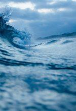 """पानी पर कविता """"जल ही जीवन है"""" (Hindi Poem on Water)"""